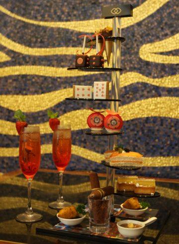 the-royal-flush-tea-set